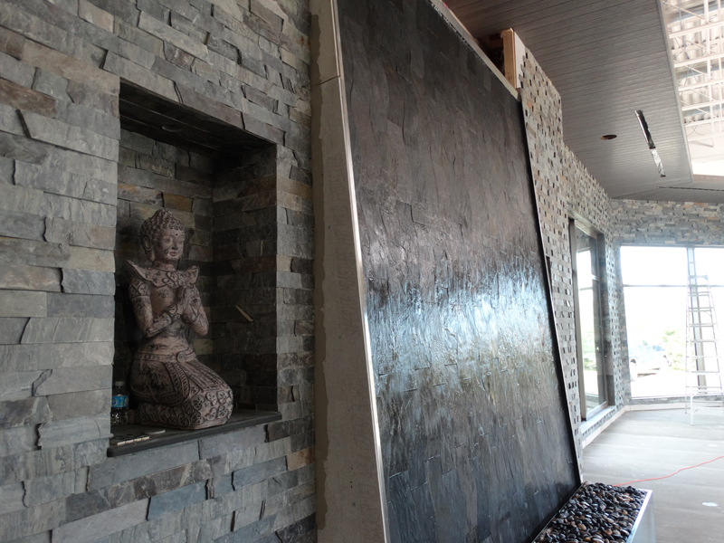 Indoor and outdoor large scale water fountains - Indoor wall water features ...